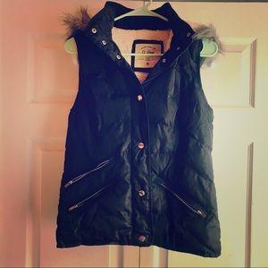 Black puffer vest NWOT